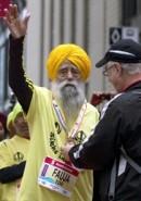 Fauja_Singh_Toronto_Marathon_Guinness_Record